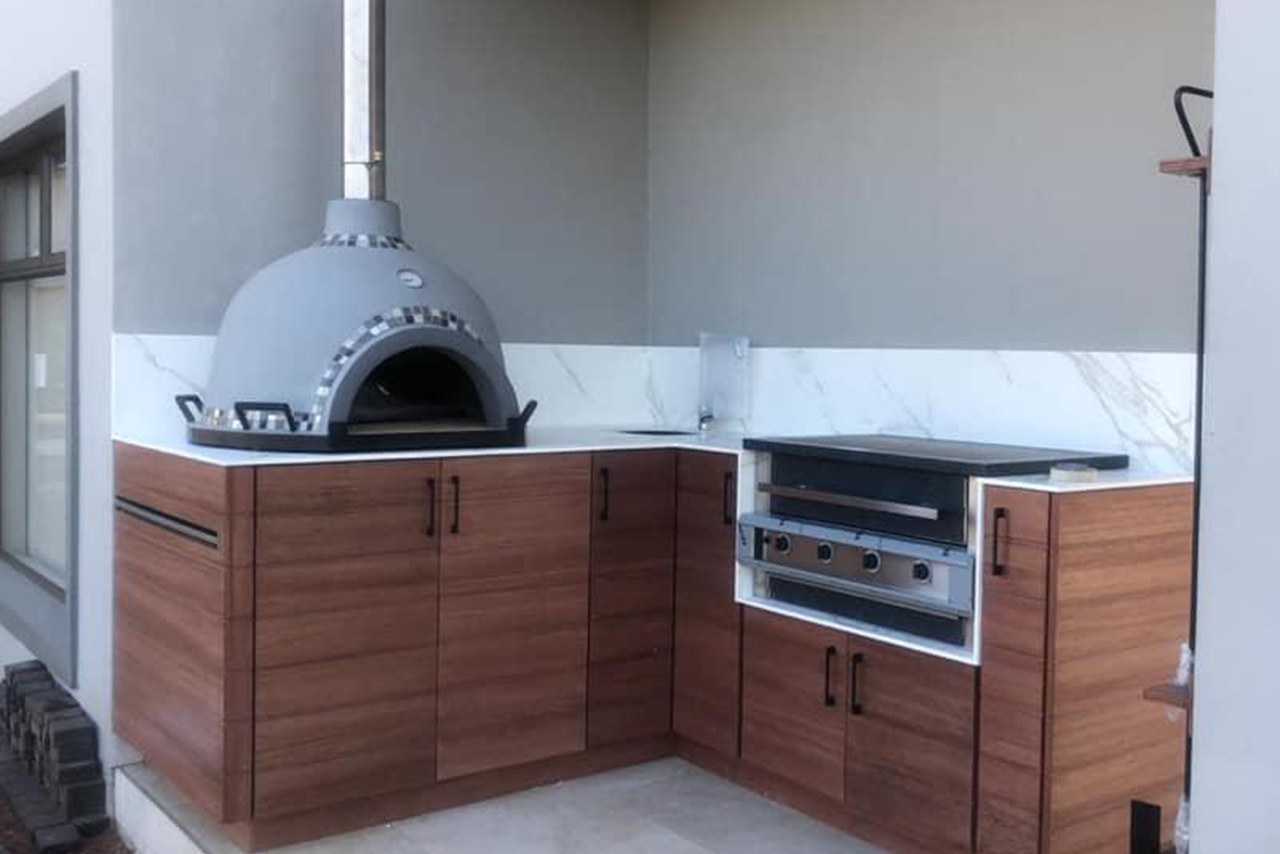 Pizza Ovens And Gas Braais